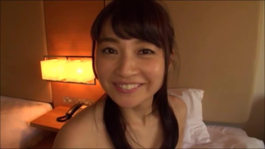 【ナンパのハメ撮り動画】30歳の専業主婦が買い物中にナンパされて濃密主...