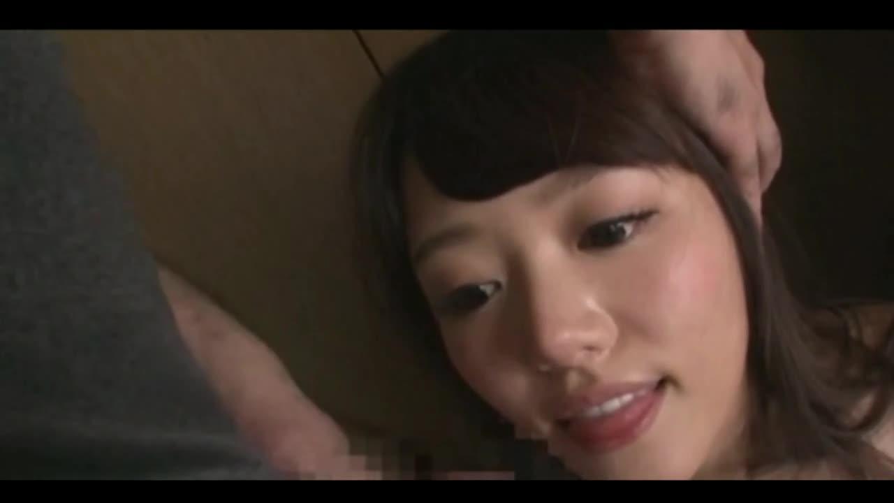 【無料エロ動画】ボーイフレンドの前でタイムを止められ素っぱだかの状態...