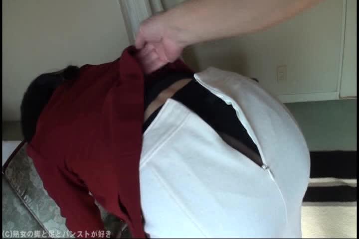 人妻動画。個人撮影 42歳(麻希子)セックスレスの人妻美熟女とラブホ...